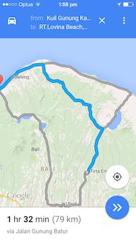 مسیر سمت چپی که هیچ. ولی اگر ماشین شاسیبلند و  4WD دارید مسیر سمت دریاچه در غیر این صورت مسیر آبی